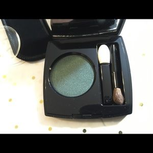 CHANEL Makeup - Chanel Ombré Premiere Eyeshadow 'Verde.'